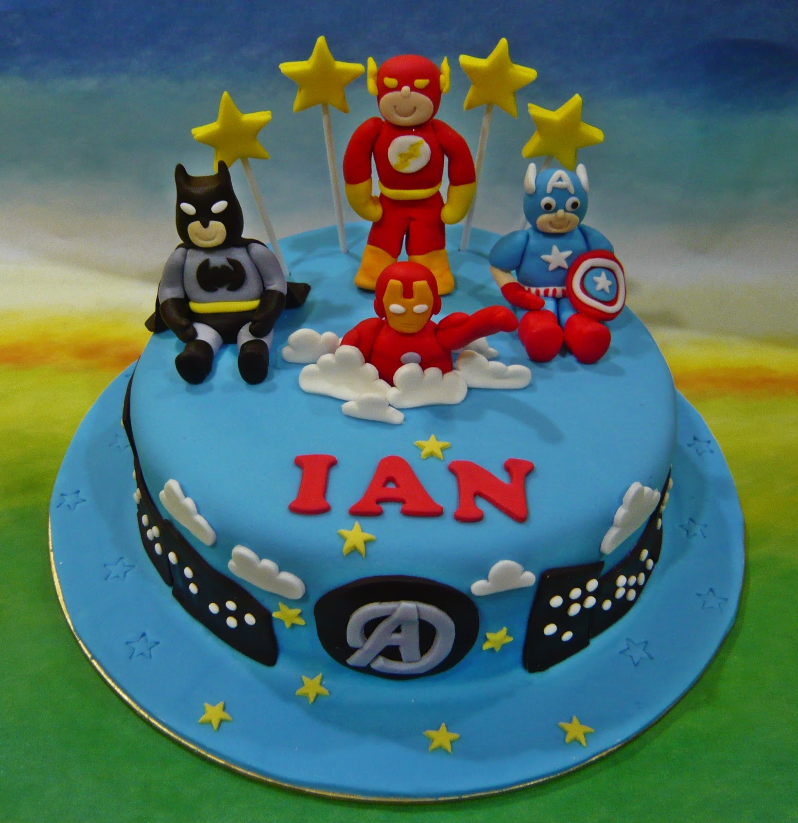 Jenn Cupcakes Amp Muffins Avengers And Justice League Theme