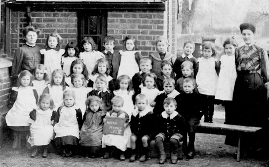 Photograph of Pupils at Water End School c1910