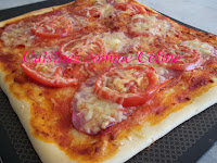 http://cuisinezcommeceline.blogspot.fr/2016/08/pizza-tomate-bacon.html