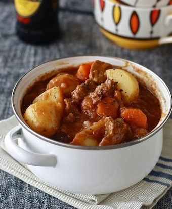 Peppery Irish beef stew recipe by SeasonWithSpice.com
