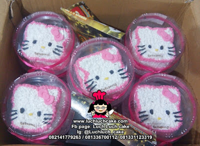 Souvenir Ulang Tahun Mini Cake Hello Kitty