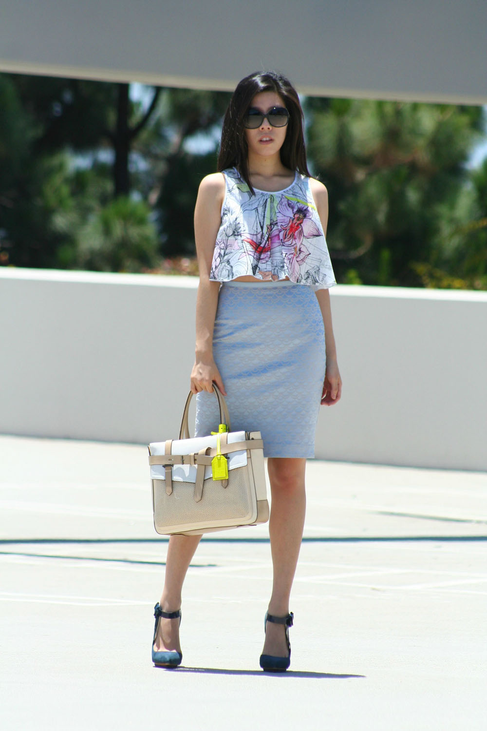 how to look fashionable in a pencil skirt