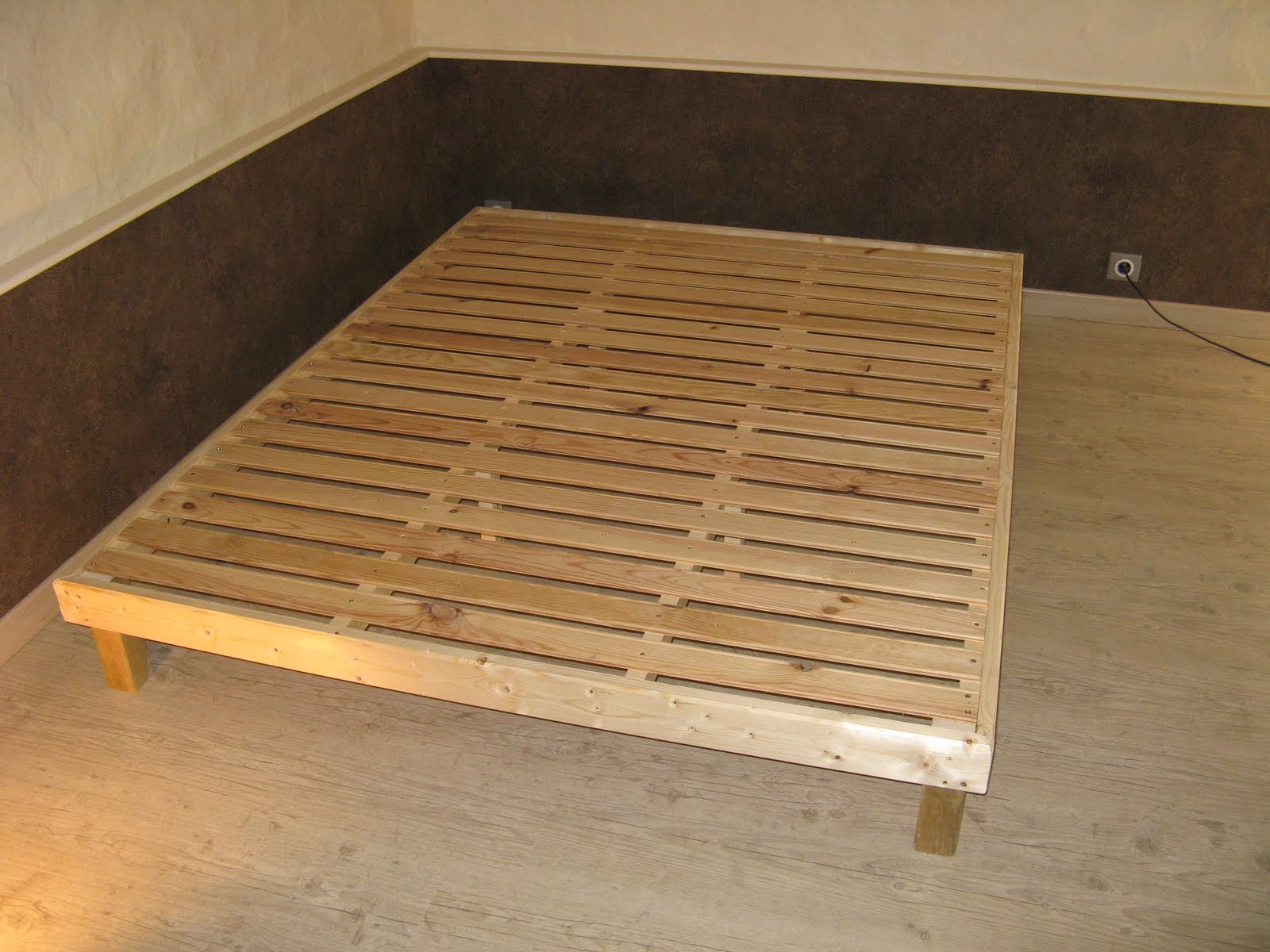 le blog d 39 elodie lit. Black Bedroom Furniture Sets. Home Design Ideas