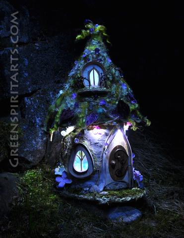 One of Sally Smith's fairy houses
