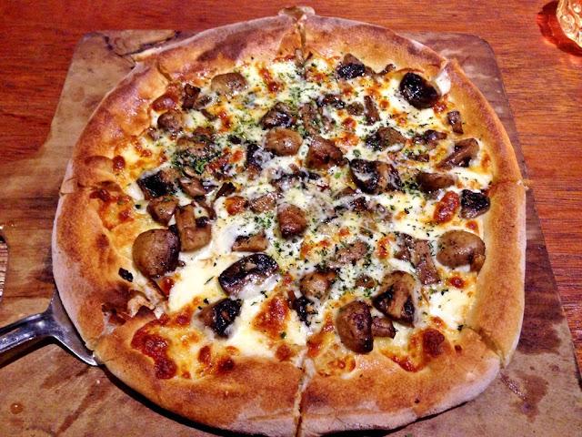bastardo gourment pizza dan bar