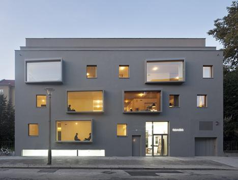 Mart 2012  modern architect