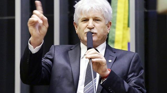 Petista lidera ranking dos que mais gastaram no Pará com divulgação do mandato