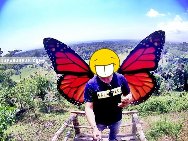 Selfie di Twin Hill dengan Latar Sawah