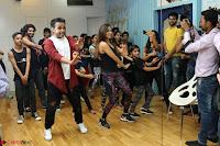 Kiara Advani Black Tank Top Tight leggings Tu Cheez Badi Hai Mast Mast~  Exclusive 22.JPG