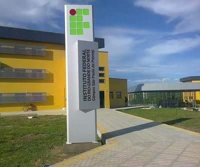 Por falta de combustíveis, IFRN cancela atividades em São Paulo do Potengi e mais 9 campi