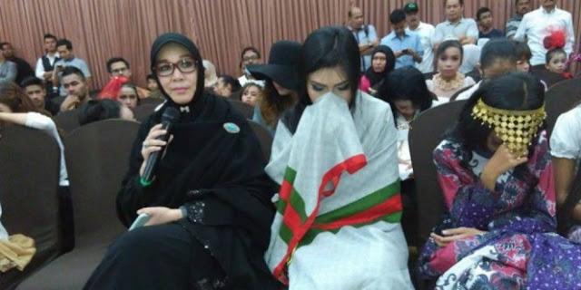 Salut! Walikota Banda Aceh Bubarkan Fashion Show Berpakaian Seronok