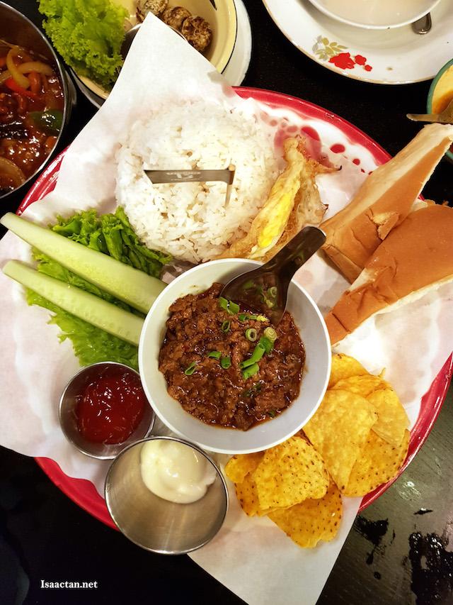 Nachos Beef Kra Paw- RM9.90