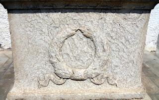 Η προτομή του Μιχάλη Δαμιράλη στη Νάξο