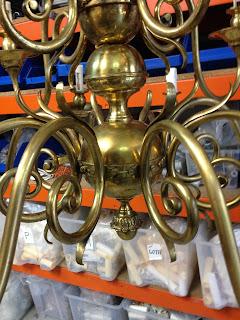 lampara de laton antes de pulir