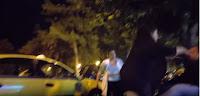 Απίστευτο βίντεο! — Γυναίκα πλακώvει στις μπουvιές ταξιτζή επειδή την έβpισε....