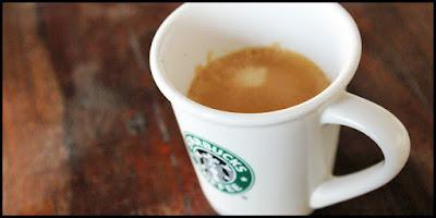 Rosabaya de Nespresso dans une tasse