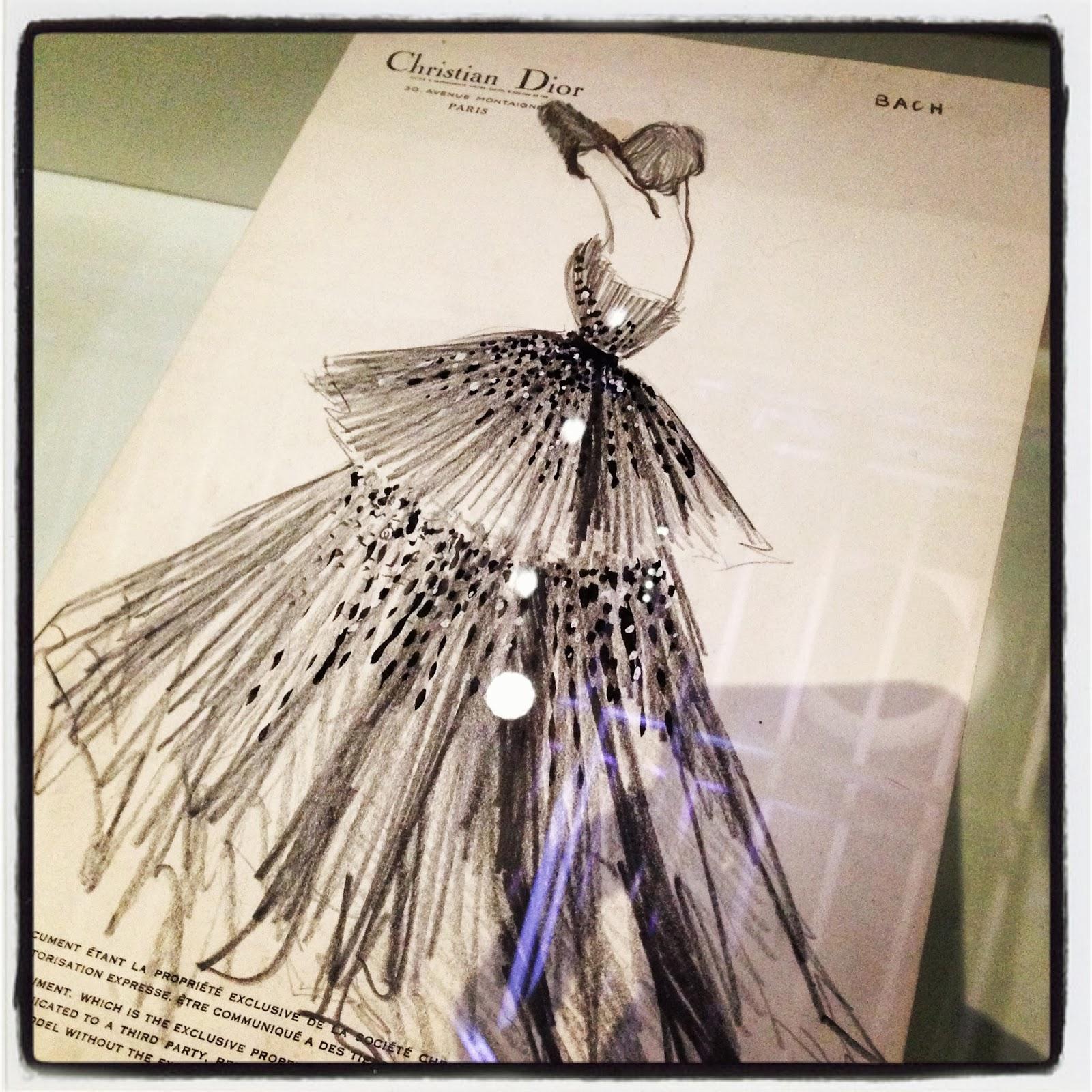 Les garçons aux foulards  Miss Dior s expose au Grand Palais – Art ... 4aa6dc1702b