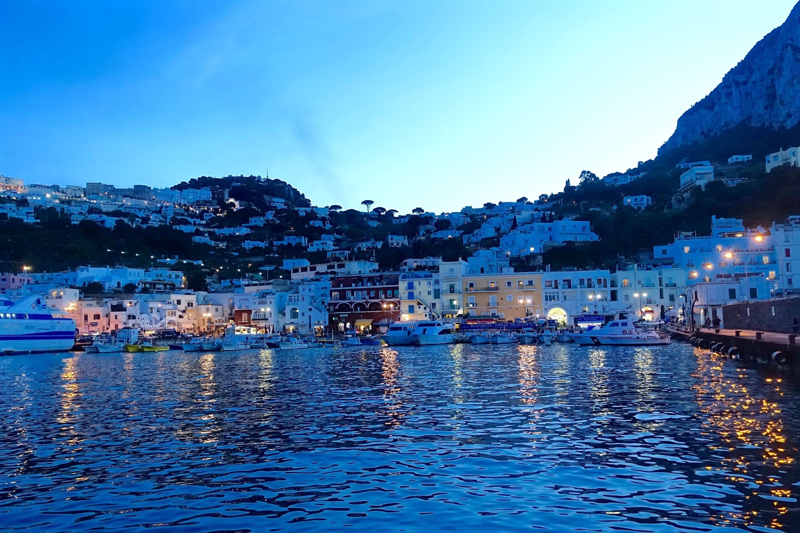 the isle of capri by night