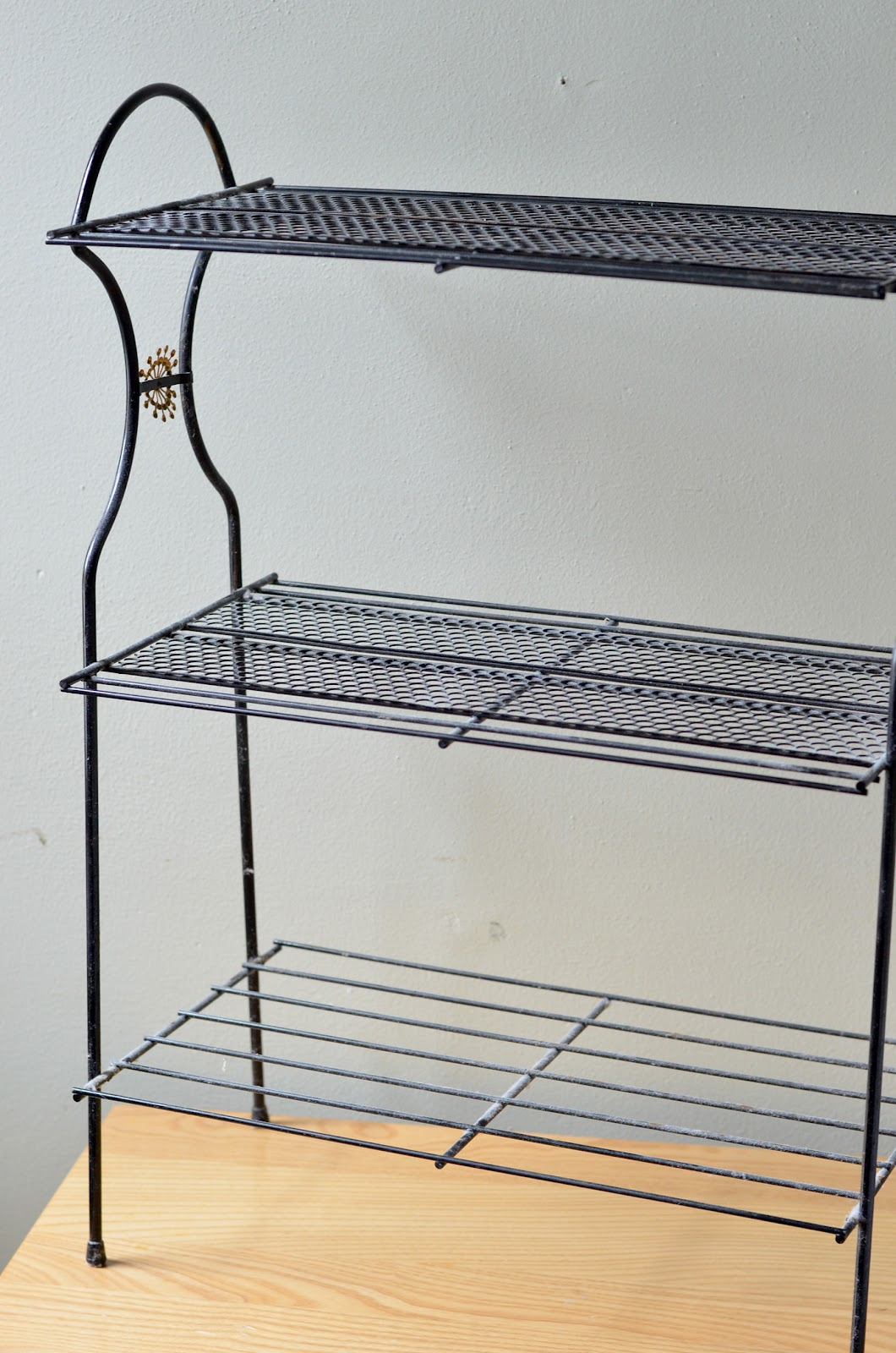 Black Wire Plant Stand Parsimonia Secondhand With Style Style Spots Post Work