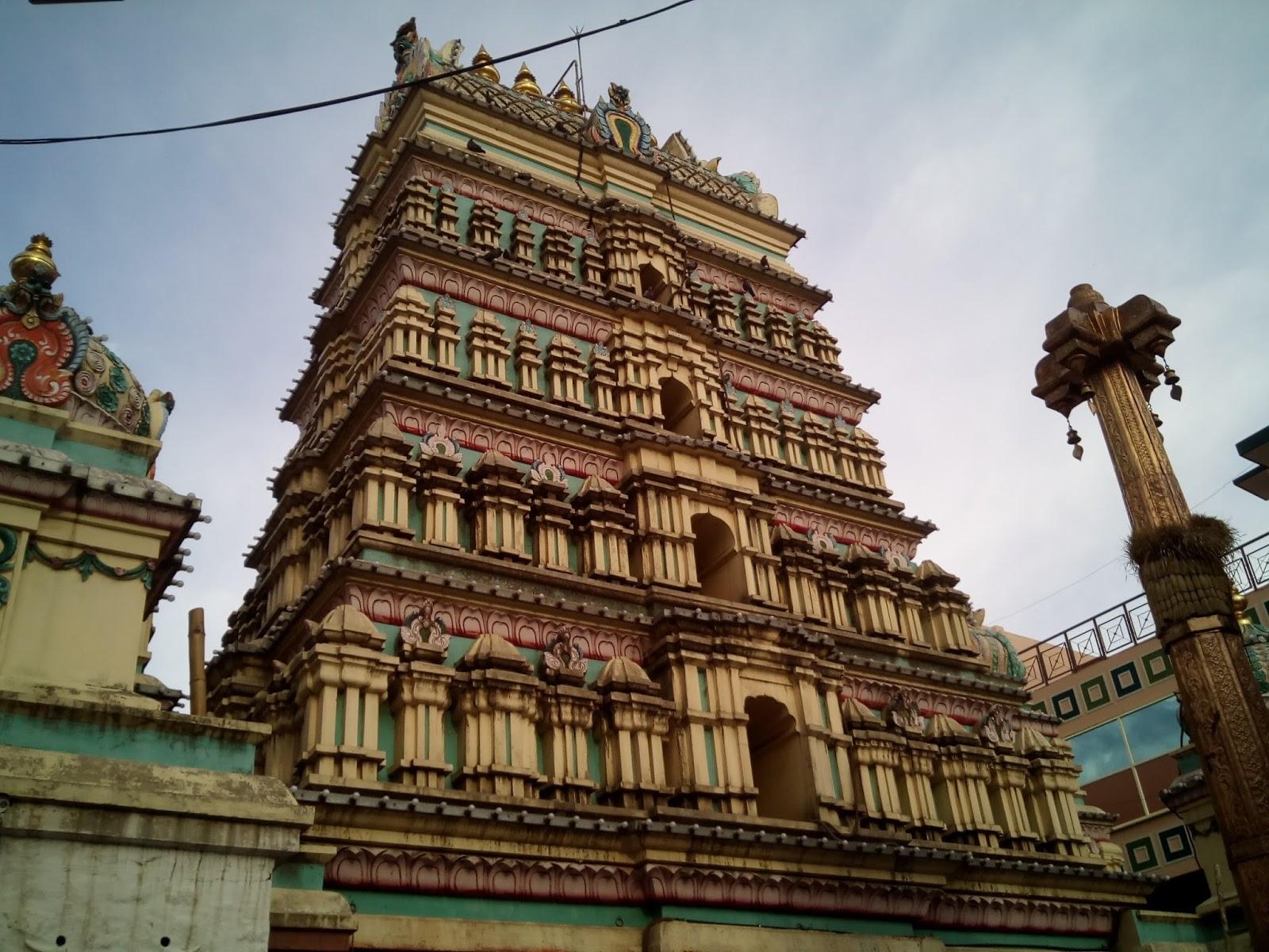 ThinkBangalore: Sri DharmaraayaSwamy temple - Pandavas