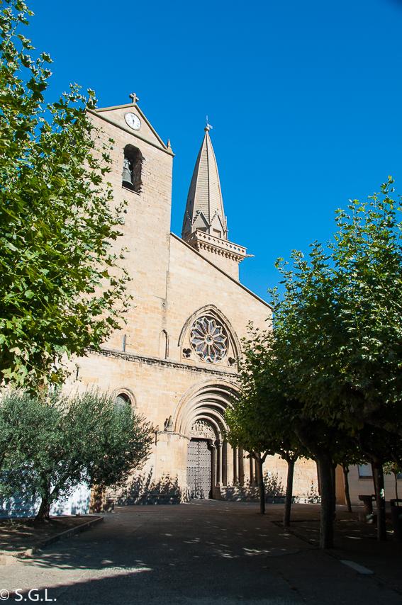Descubriendo Navarra. En Olite la Iglesia de San Pedro