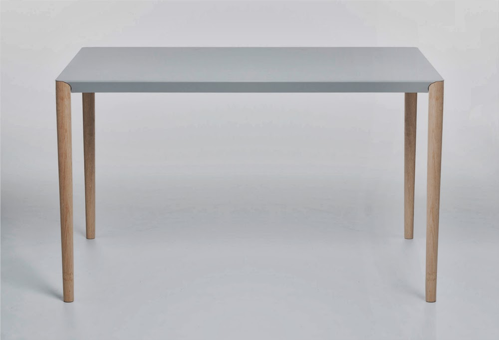 08-Table-Benjamin-Vermeulen-@83nj4m1nv-MAGfurniture-www-designstack-co