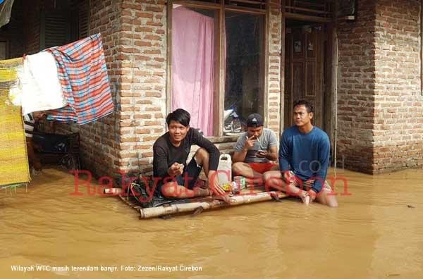 pemkab cirebon segera kerahkan dinas terkait ke lokasi banjir