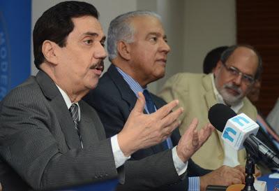 Dirigentes del PRM se inscriben para optar por candidaturas nacionales