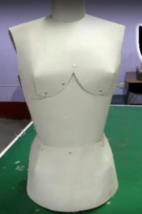 como hacer un maniqui de carton