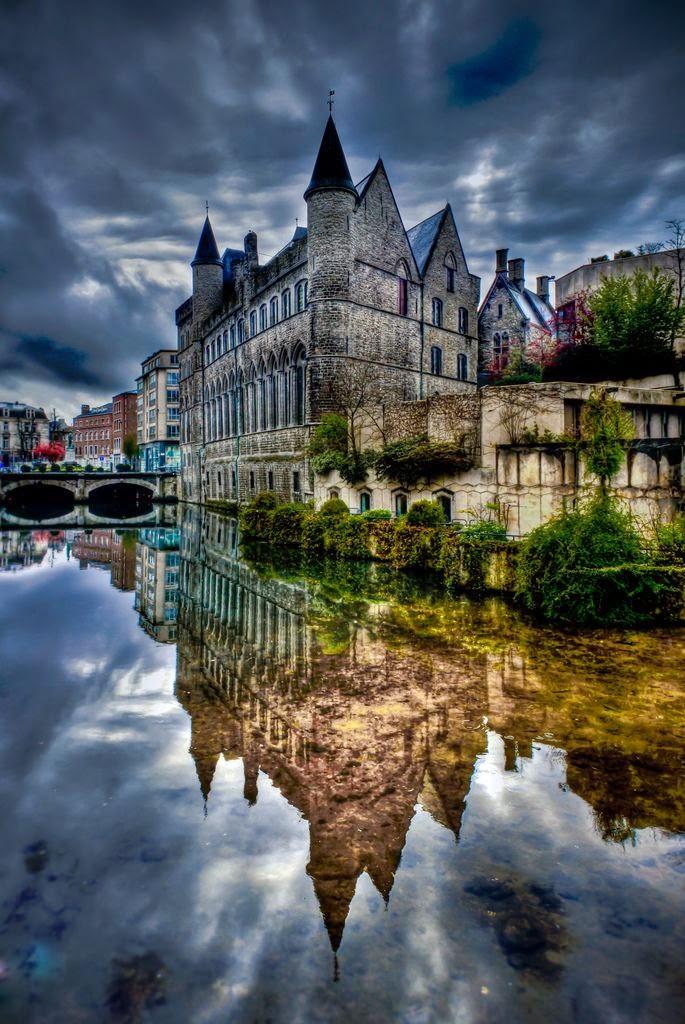 10 Best Places to Holiday in Belgium (100+ Photos) | Gerard De Duivelsteen Castle, Ghent - Belgium