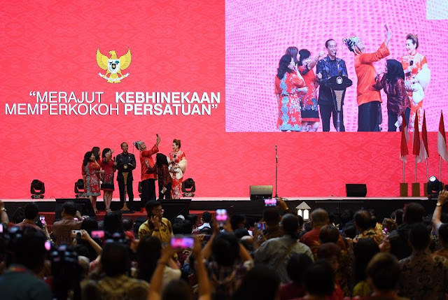 Jokowi Tantang Prabowo Bawa Bukti ke KPK