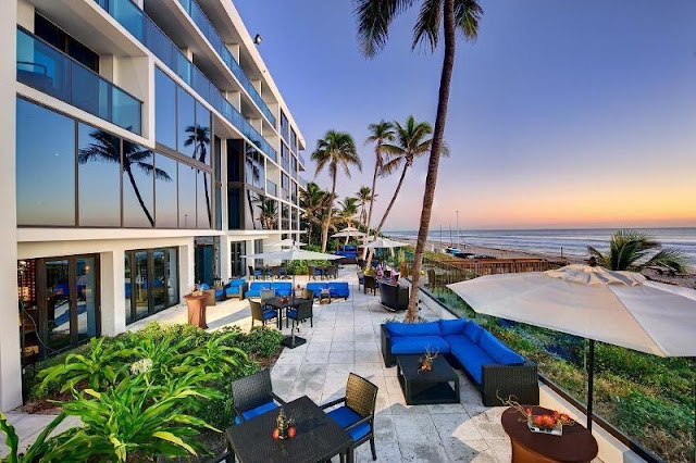 Tideline Ocean Resort & Spa offers Palm Beach views and ocean breezes combined with bold accommodations, oceanside dining, and a world class spa to bring out the escapist in you.