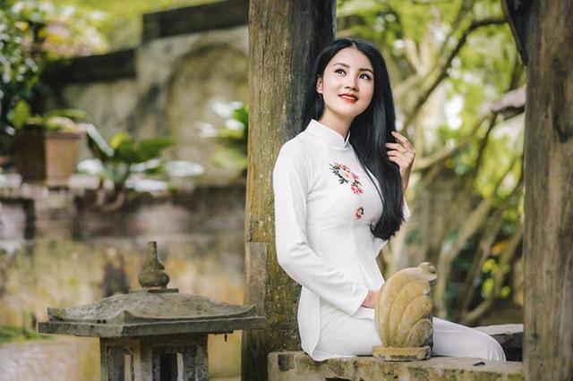 Hoa khôi ĐH Tài Nguyên Môi trường thướt tha trong tà áo dài trắng - Ảnh 9