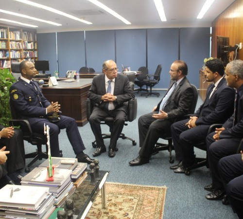 Deputado Lincon Portela e lideranças das GCMs em audiência com o Ministro Gilmar Mendes no STF