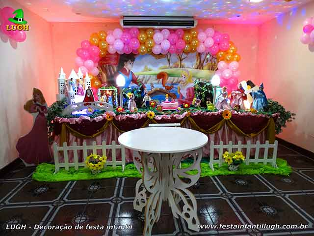 Decoração A Bela Adormecida - Festa de aniversário infantil - mesa decorada tradicional luxo