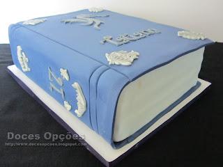 bolo livro