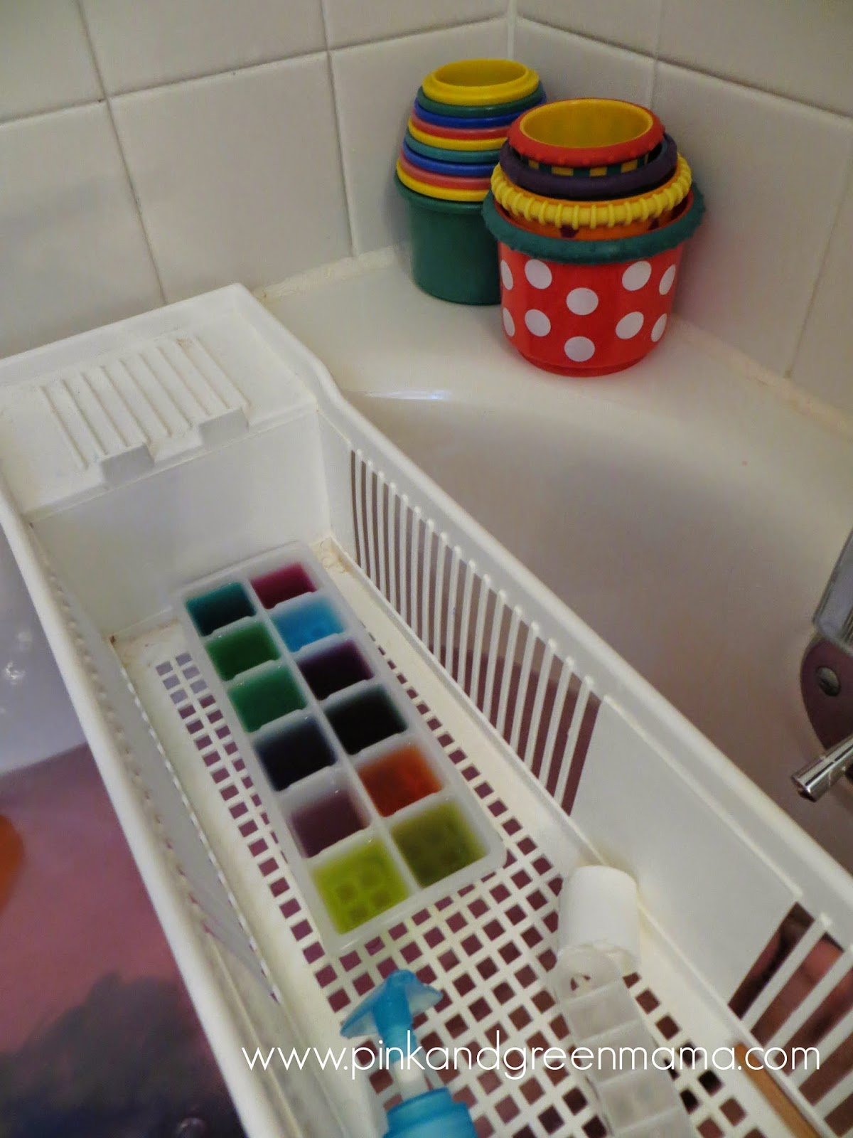 Pink and Green Mama: Color Mixing Fun in the Bathtub!
