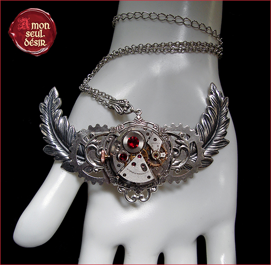 collier steampunk mecanisme mouvement de montre plume argent ailes winged necklace clock watch work wings feather silver gear wheel