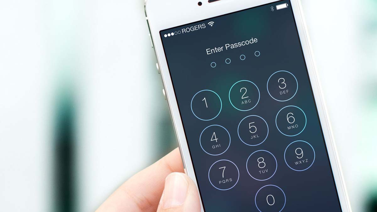 uk-police-steal-criminal-iphone-and-keep-swapping-in-screen-to-prevent-from-locking
