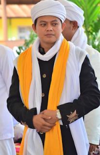 http://www.umatnabi.com/2017/08/latar-belakang-tgk-samunzir-husein-sang.html