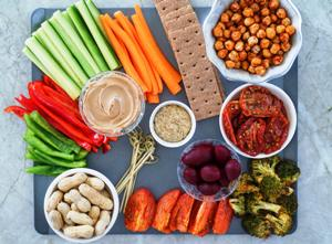 The Right and Healthy Snack Track