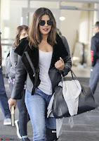 Priyanka Chopra Spotted in New York Stunning Beauty Queen Nov 2017 ~  Exclusive Galleries 016.jpg