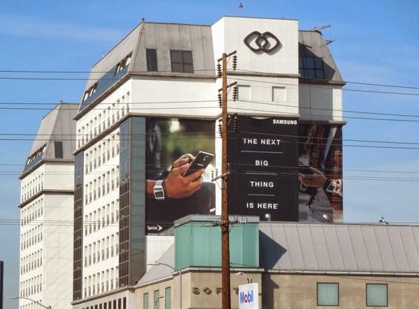 Giant Samsung Galaxy Note 3 Gear billboard