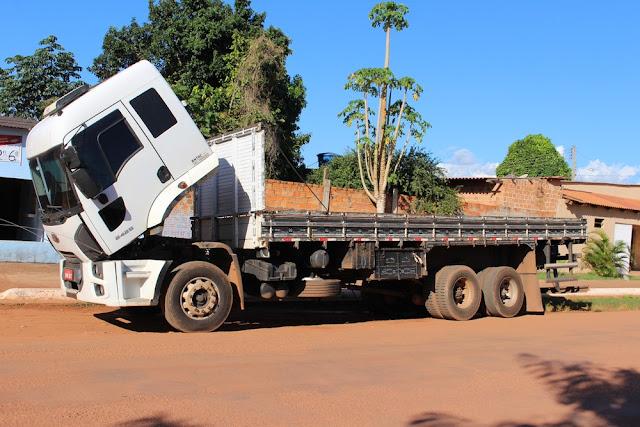 Receptador é preso em Guajará-Mirim com caminhão roubado em MG