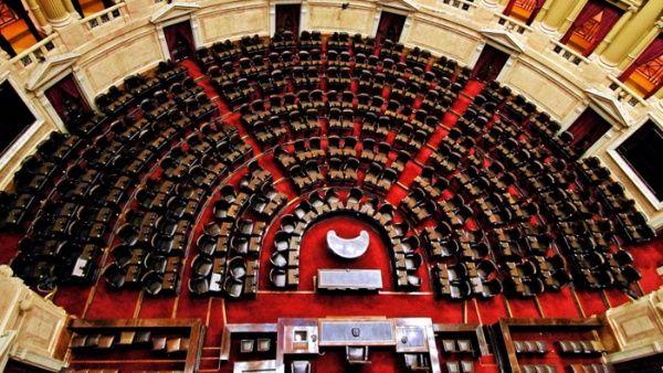 Congreso argentino debate penalizar la corrupción empresarial