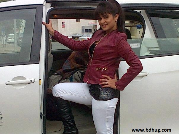 Srabanti Chatterjee Hot Photos