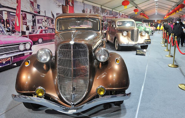 Vintage cars on display in Chengdu