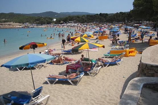 protegerse del sol en la playa