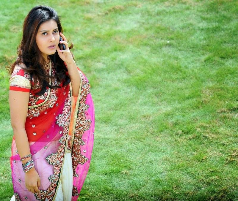 Bollywood Actress Rashi Khanna Stills In Red Saree