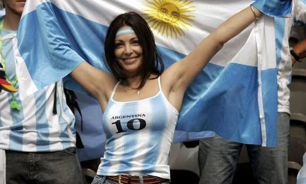 Hasil gambar untuk argentina girl